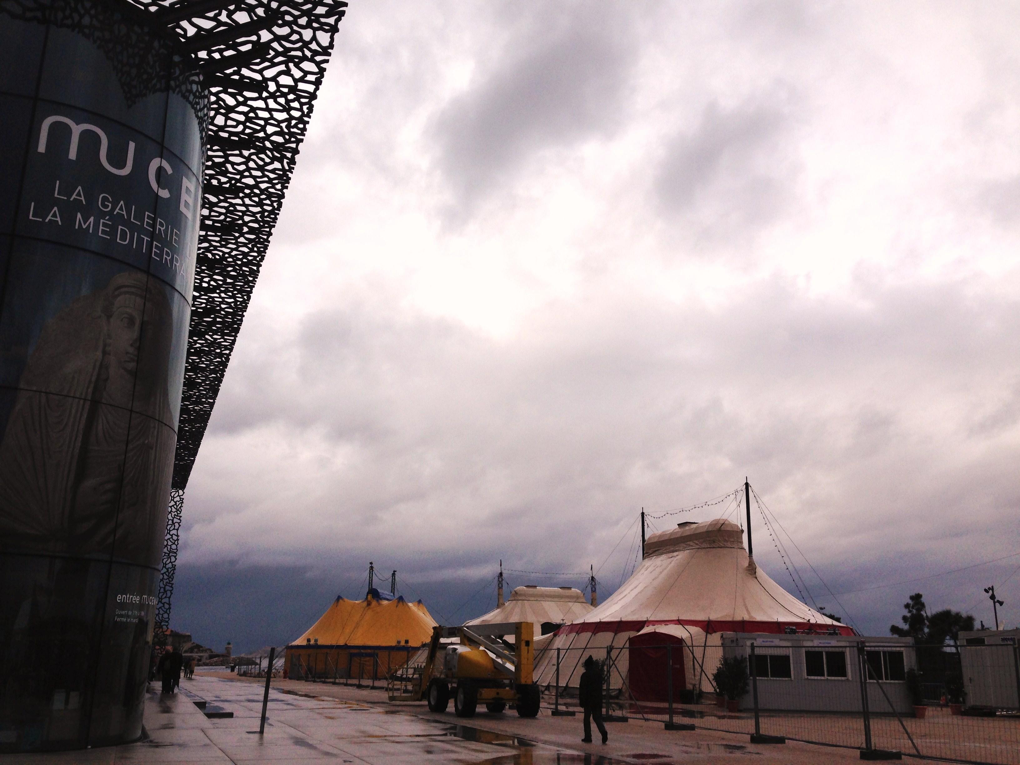 Village chapiteaux Biennale Internationale des arts du cirque