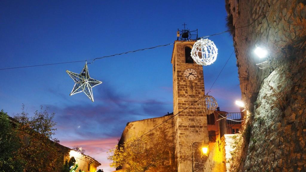 Place de l'horloge - Piton de Cabries - Noel en Provence