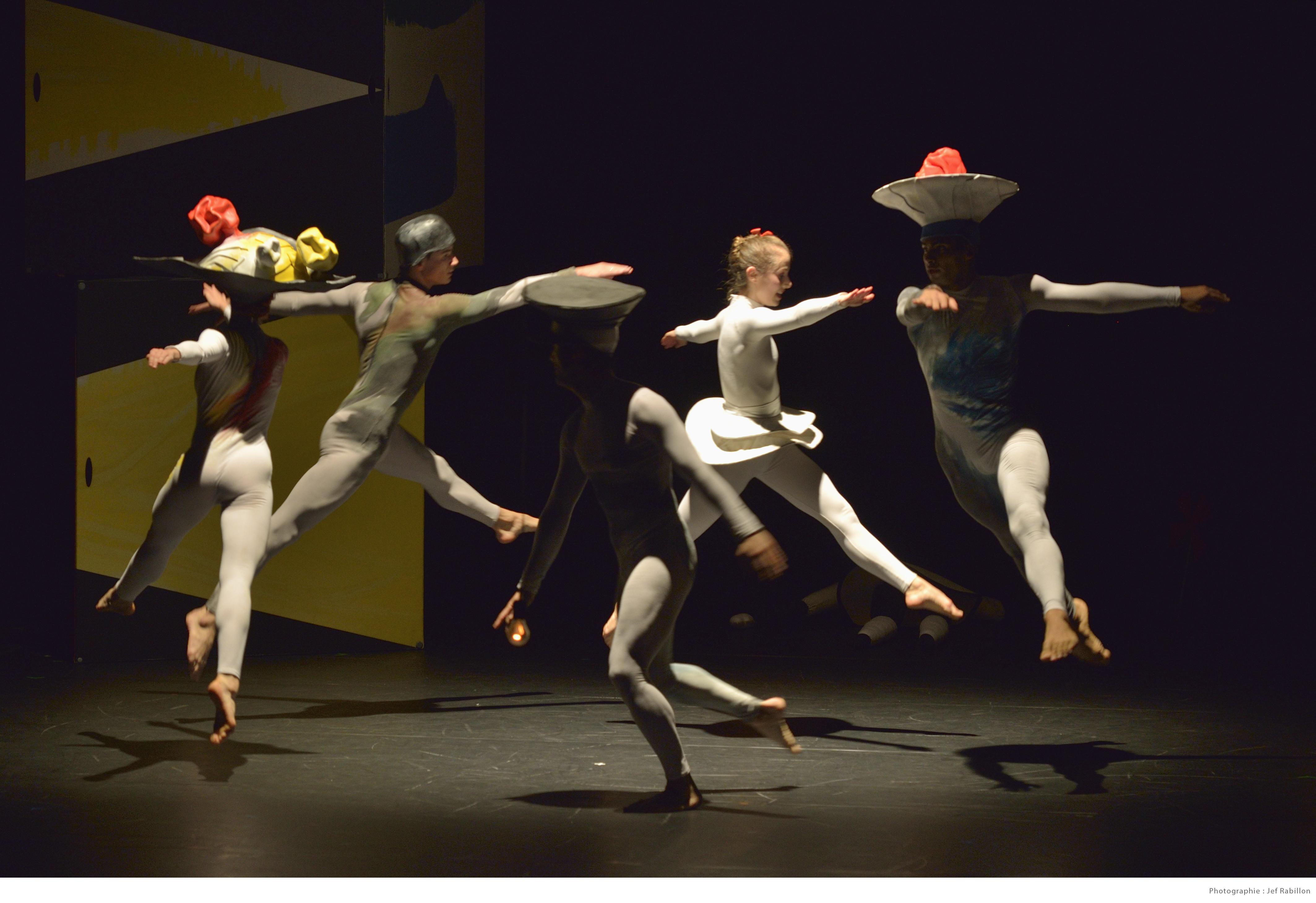 DELI COMMEDIA - Swinston- La boîte à joujoux - Festival les Elancées