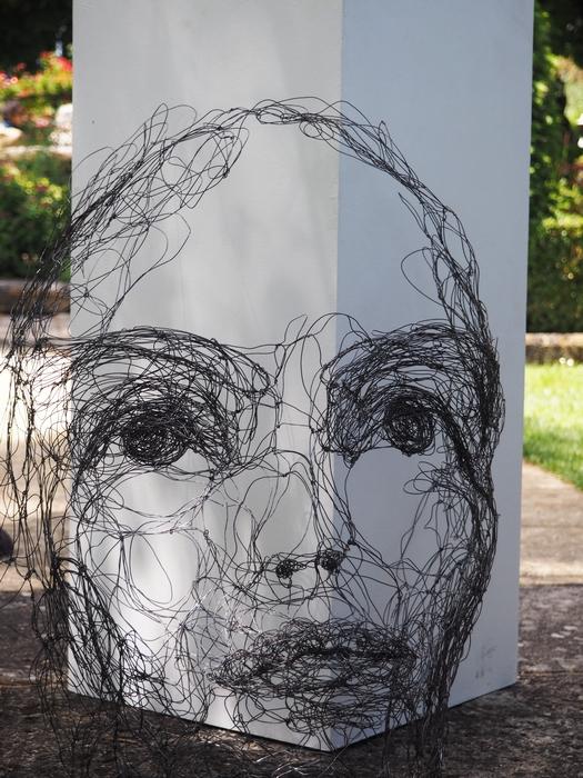 Myriam Lovel - Flâneries d'Art contemporain dans les jardins d'Aix enProvence
