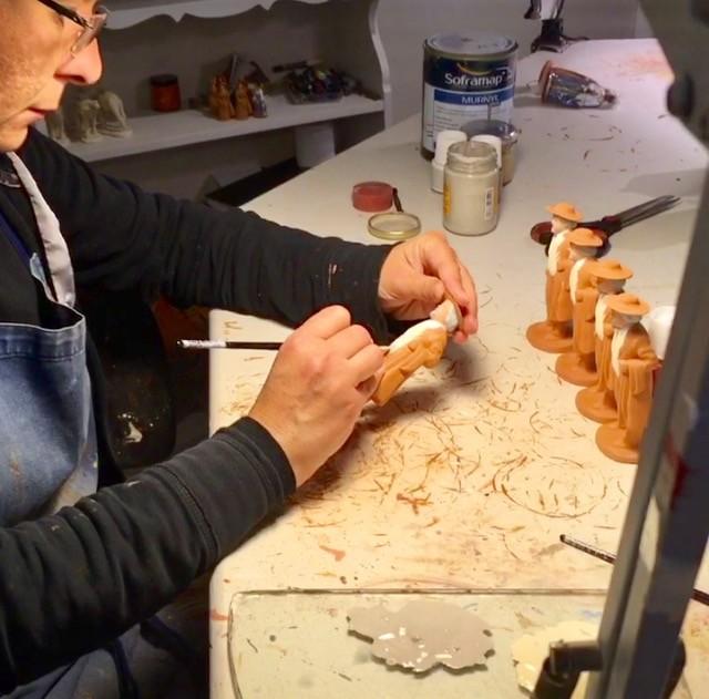 Décoration peinture des santons - Atelier Arterra - La Panier Marseille