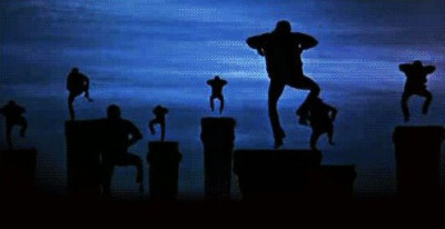 Entrons dans la danse, prenons l'rythme, prenons l'rythme…